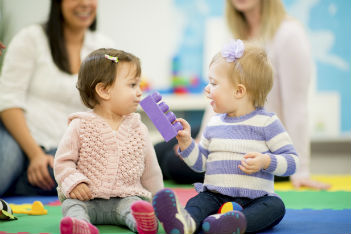 How to cope with toddler possessiveness