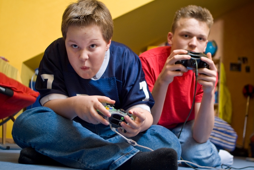 social pressure on teens who play video games and how to counteract it This video games and social control lesson plan is suitable for 9th - 12th grade can technology can be addictive after viewing a short video called play, class members consider this questions, gather data on types and amount of time people spend on various technology, and draw conclusions from the information gathered.