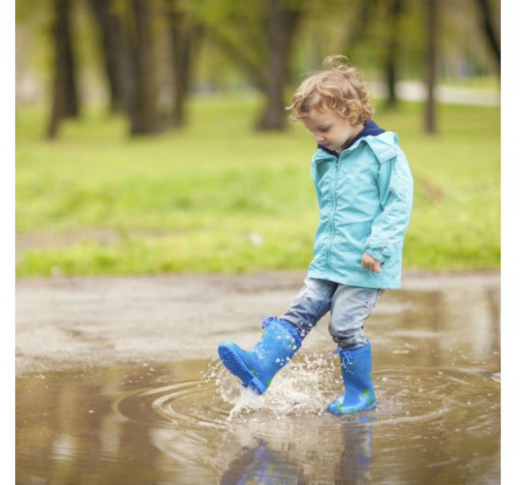 What toddlers learn from water play - Today's Parent