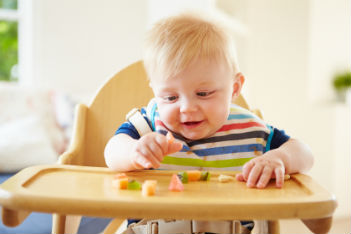 What you need to know before baby starts eating solids