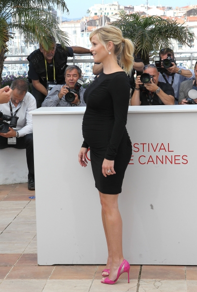 Pregnant Reese Witherspoon In Little Black Dress Hot Pink