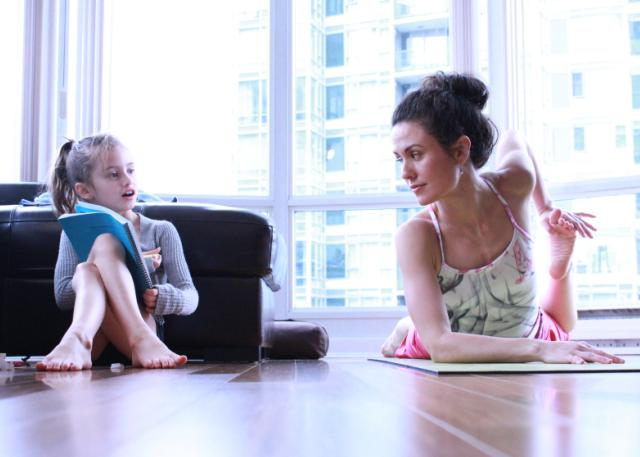 5 perfect yoga poses for Mom - Today's Parent