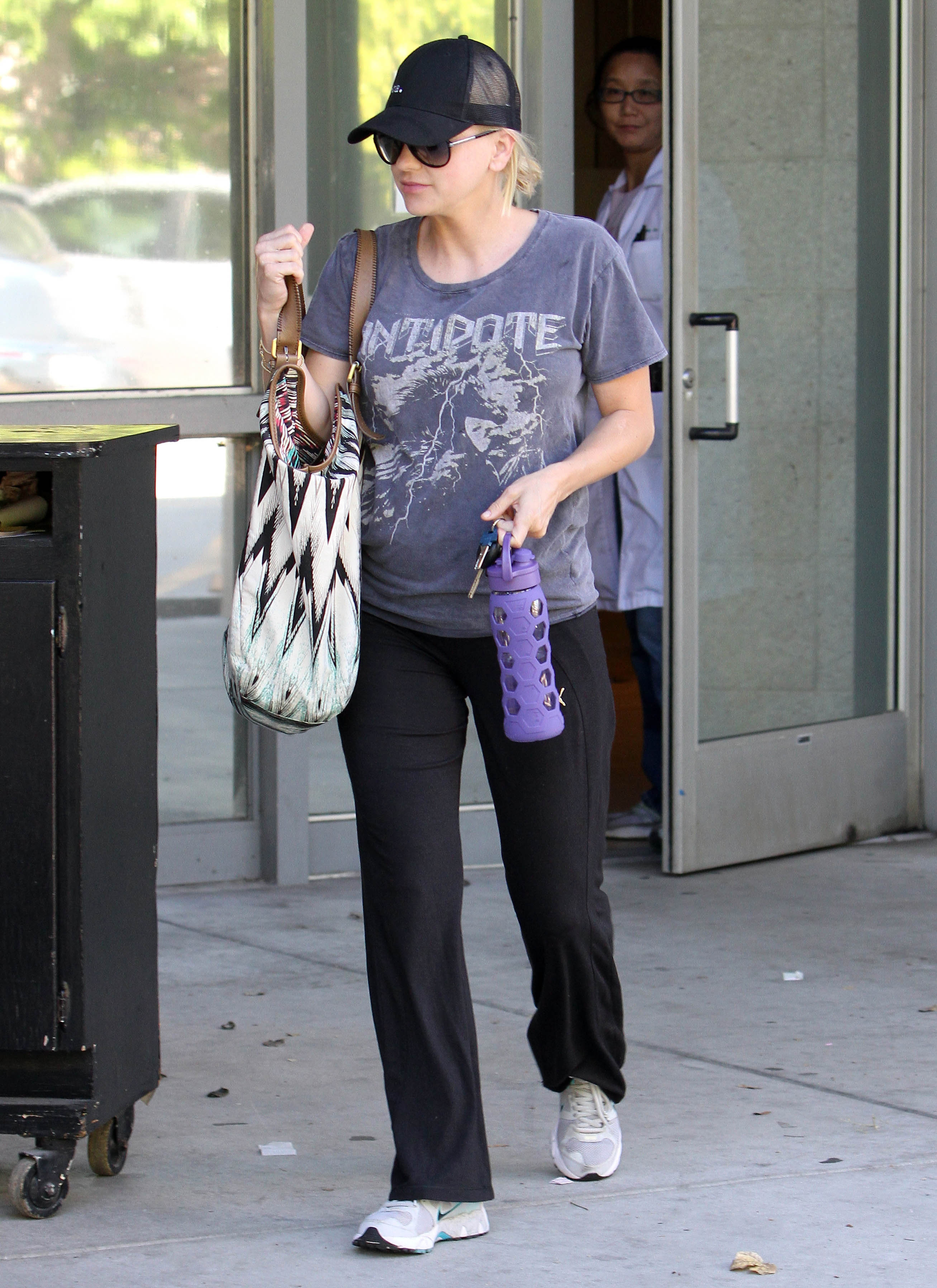 Anna Faris Bump Watch Today S Parent