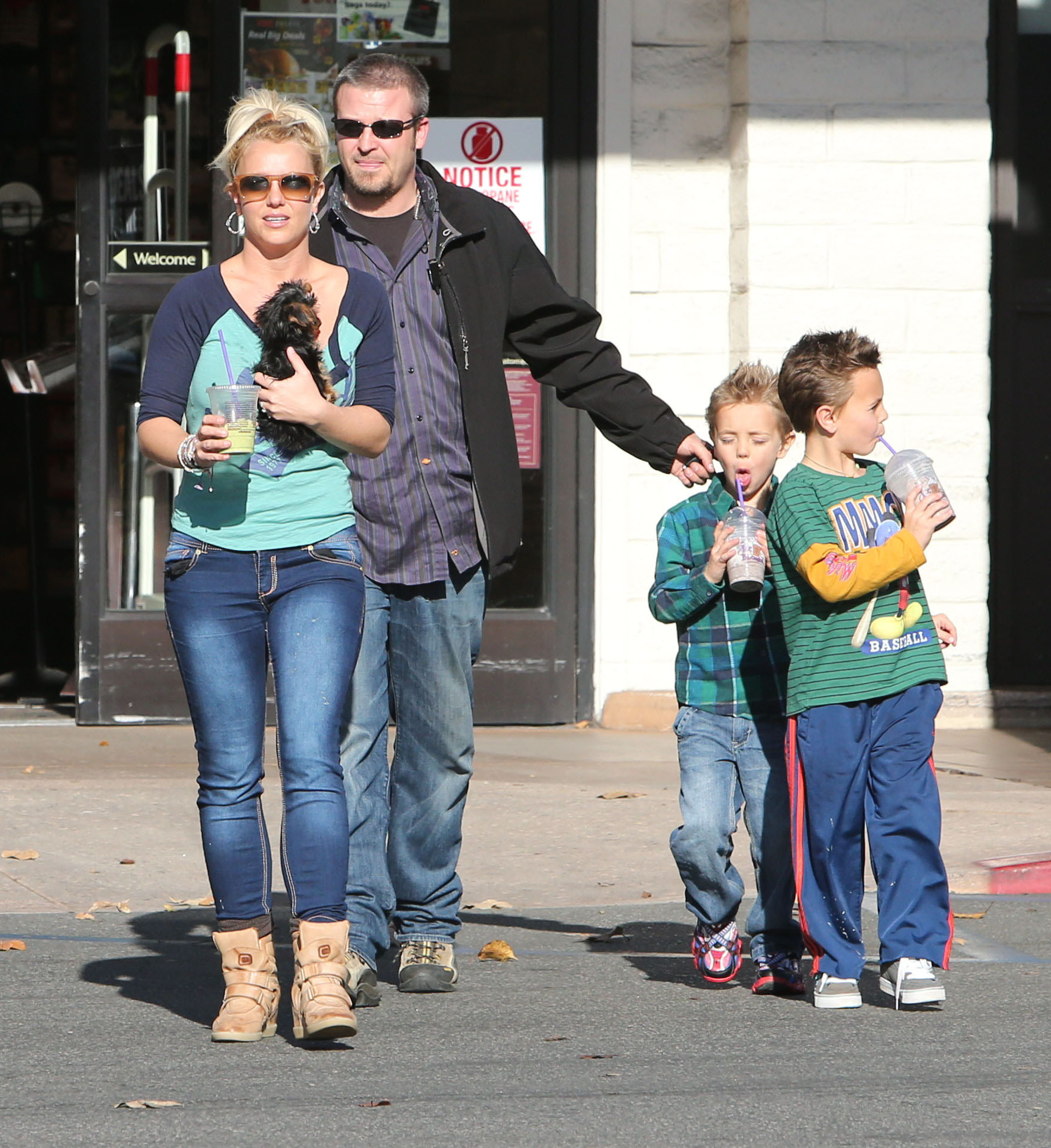 Watch Britney spears can see her kids some more again video