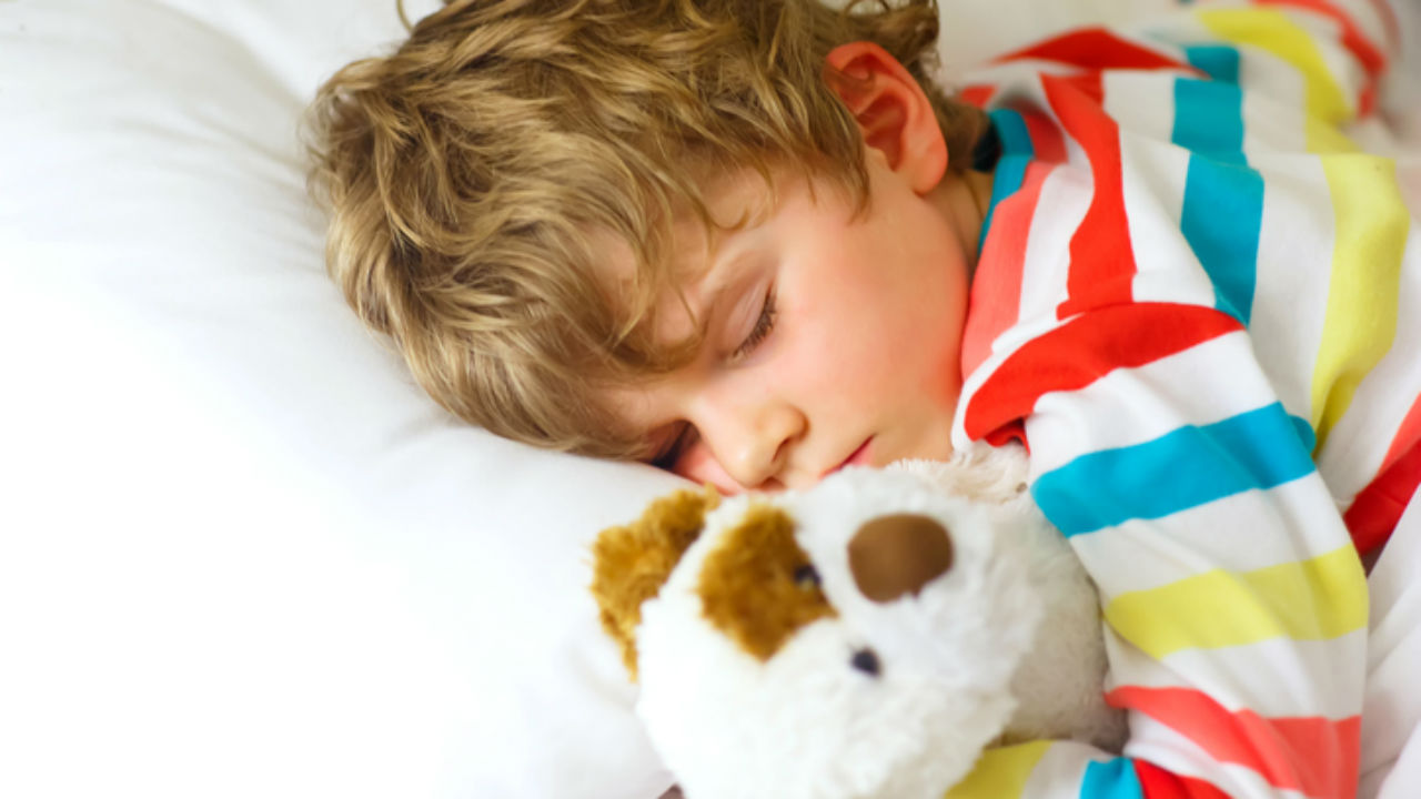 How much should a child sleep in the afternoon