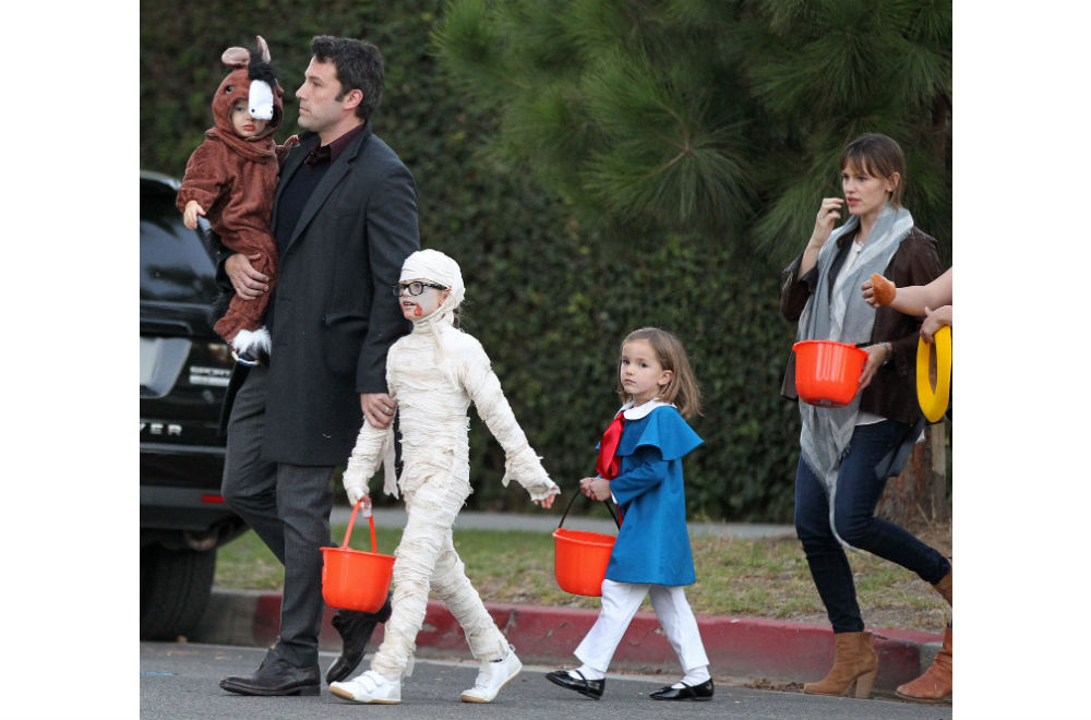 17 Of the Best Celebrity Family Halloween Costumes - PureWow