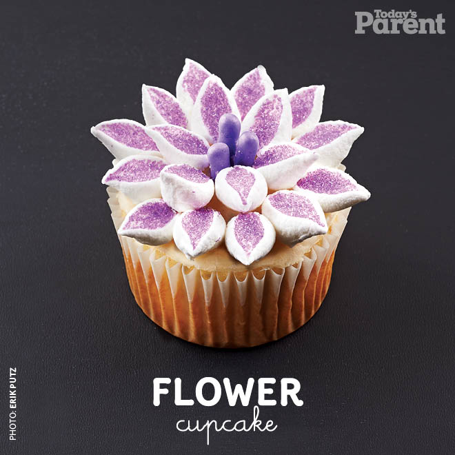 Cupcake decorating ideas flower how to video video Cupcake decorating ideas