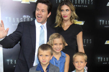 Mark Wahlberg and family at Transformers premiere (photos!)