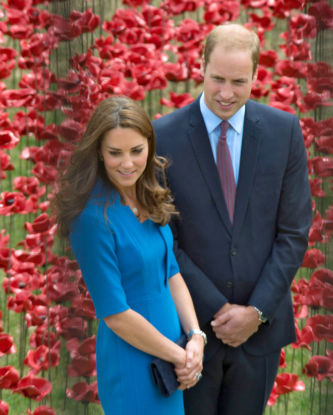 Photo: William and Kate at the ceramic poppy field of remembrance at Tower of London on August 5, 2014 in London, England. Photo: FameFlynetUK/FameFlynet