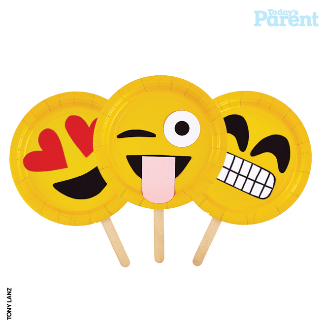 How to throw an emoji party today 39 s parent for Decoration emoji