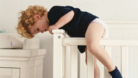 5 ways to help toddlers move from crib to big-kid bed