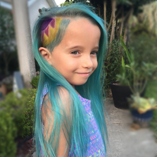 A mom gave her six-year-old unicorn hair and people are freaking out