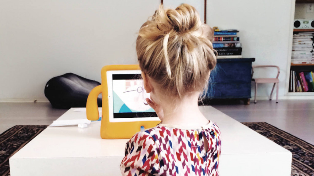 Kids Turn To Screens To Cope With >> 6 Simple Ways To Get A Handle On Your Kids Screen Time
