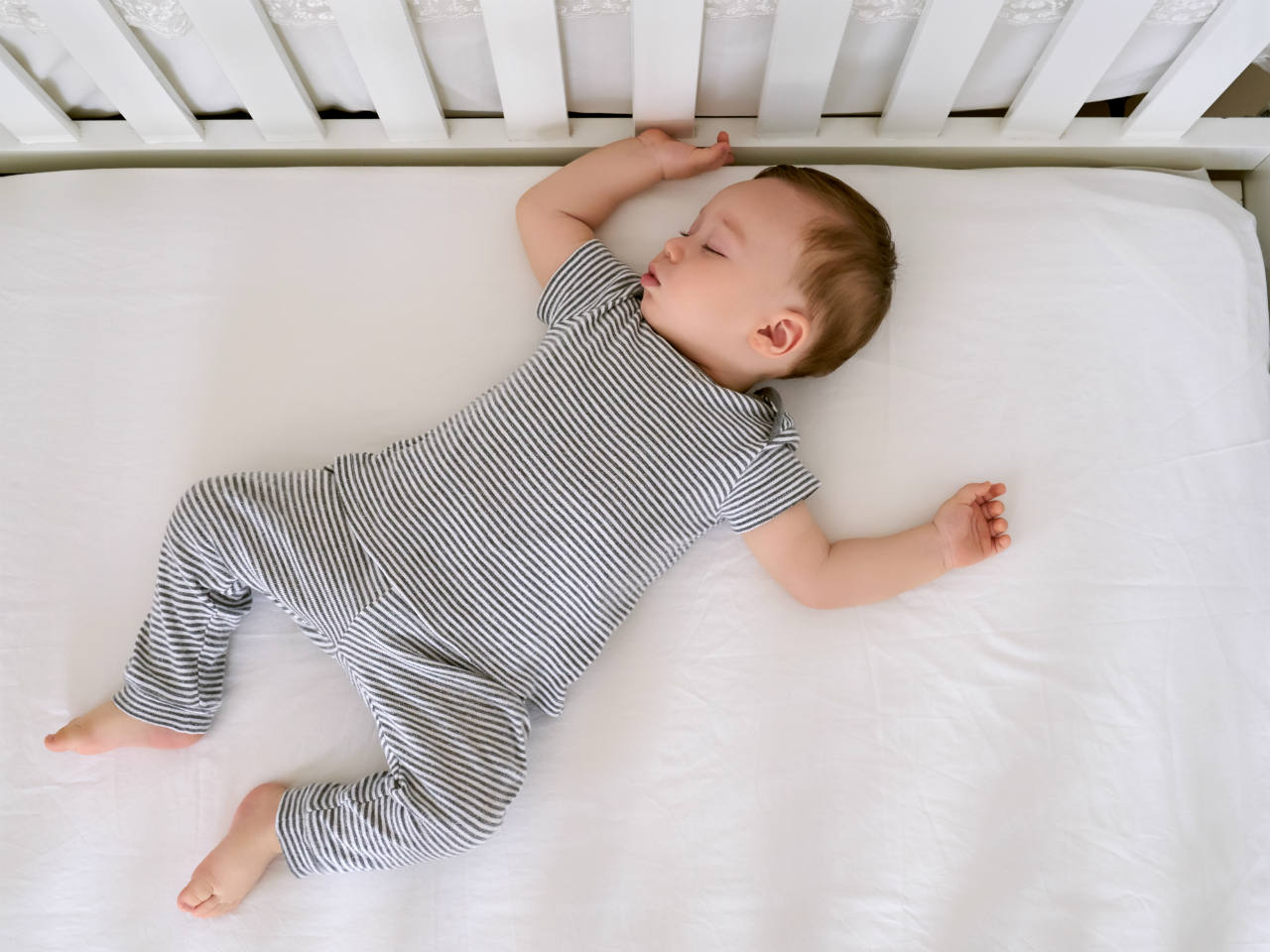6 Tips For Getting Your Baby To Sleep In A Crib During Naptime