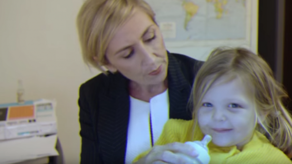 BBC interview spoof shows what a mom would do in the same situation