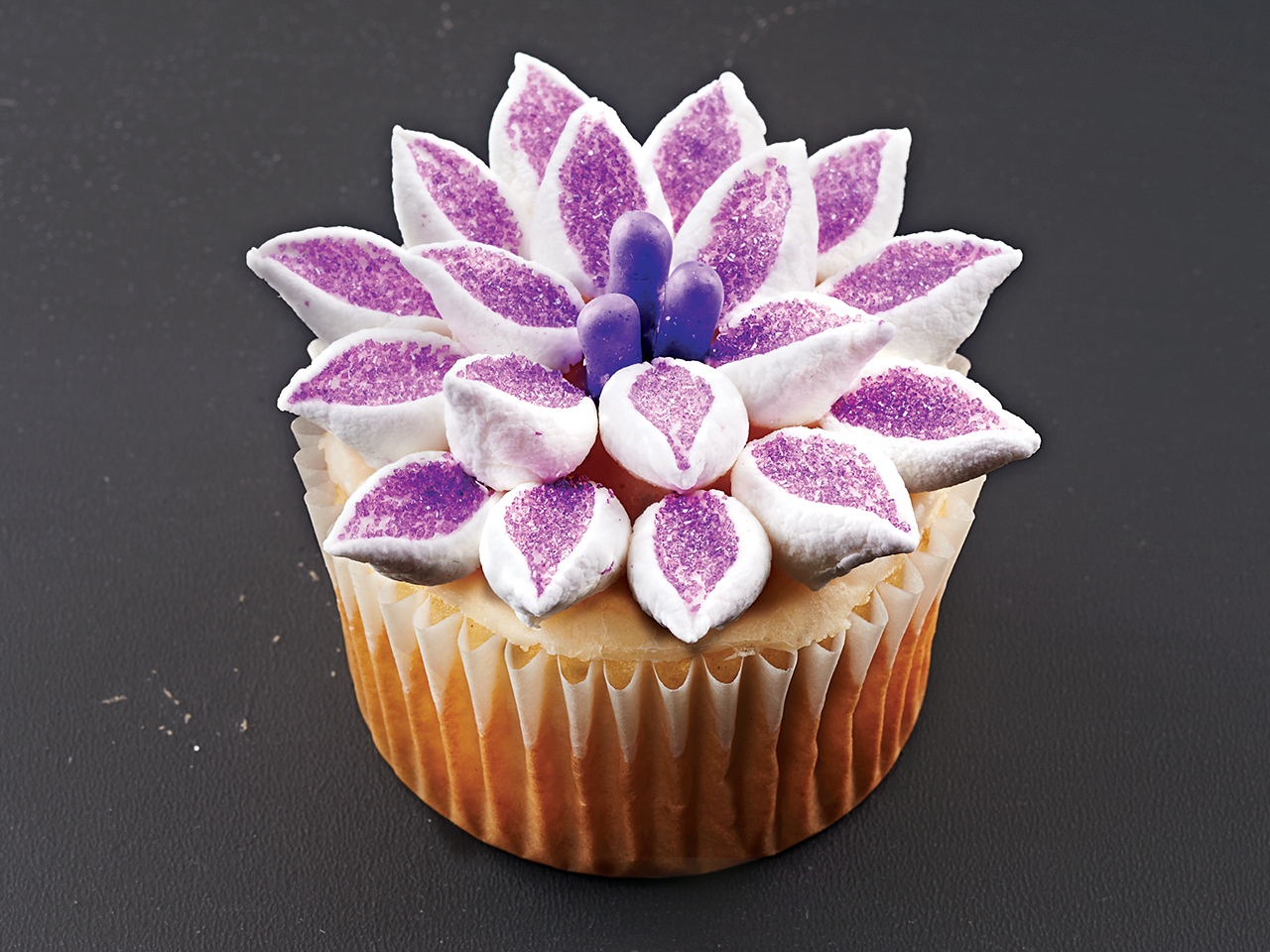 Cupcake decorating ideas: Flower (how-to video) - Video ...
