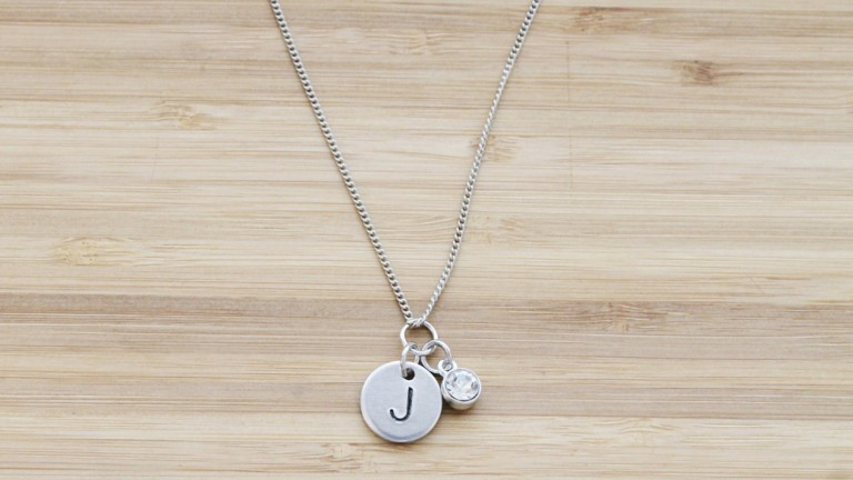 Personalized jewelry to celebrate your new baby