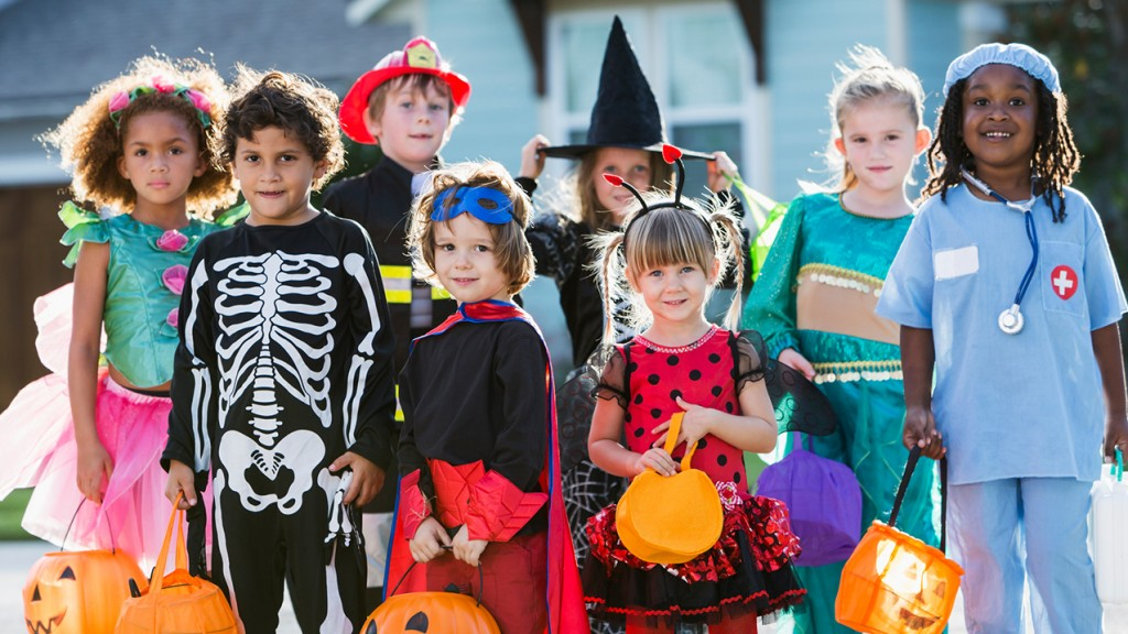 school board to kids please dont wear these halloween costumes - Halloween Kids Images