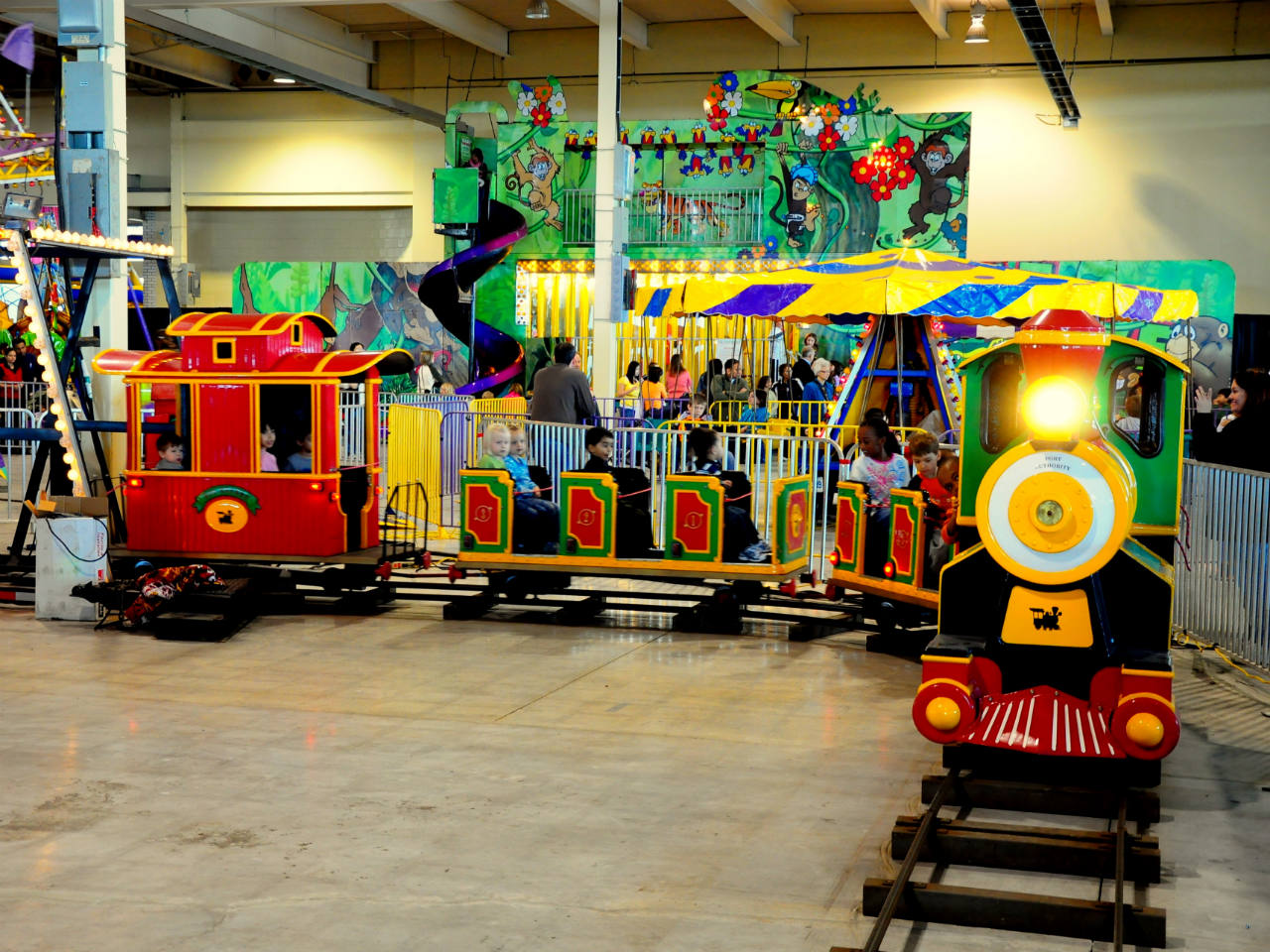A train at an indoor amusement park