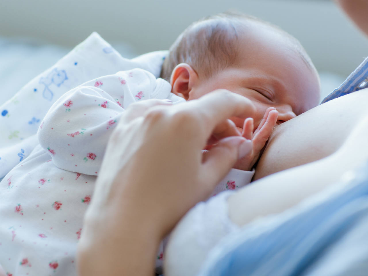 What To Do If Your Baby Falls Asleep While Breastfeeding