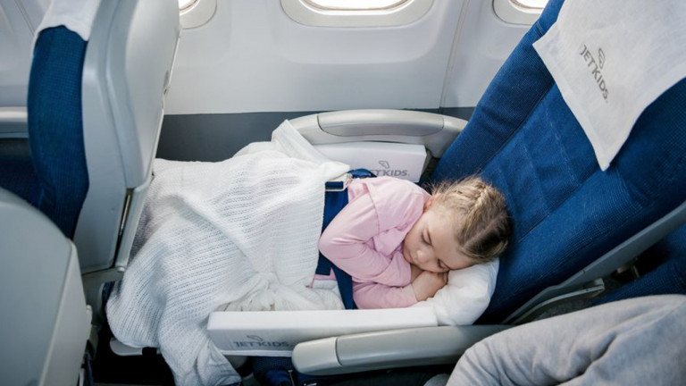 6 Best Toddler Travel Beds To Tote On Your Next Vacation