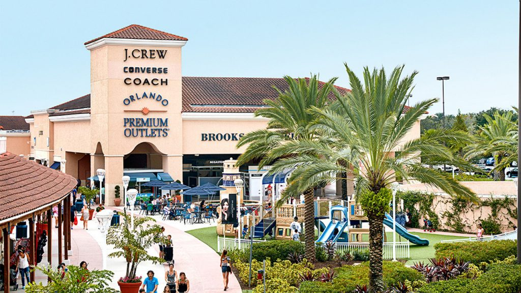 View of the playground at the Orlando Vineland Premium Outlets