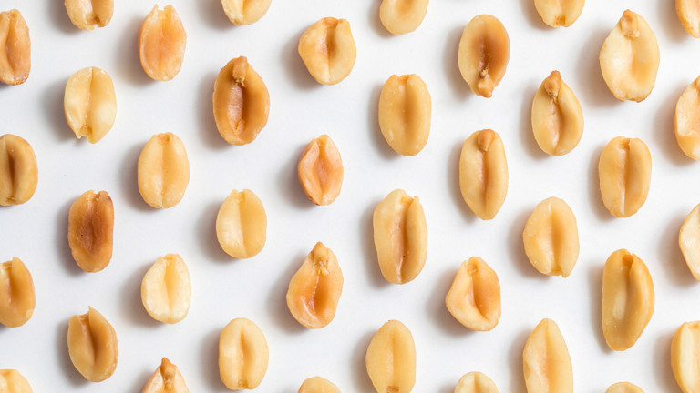 Everything you need to know about a peanut allergy