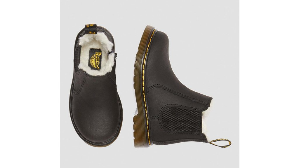 kids chelsea boots with fur lining