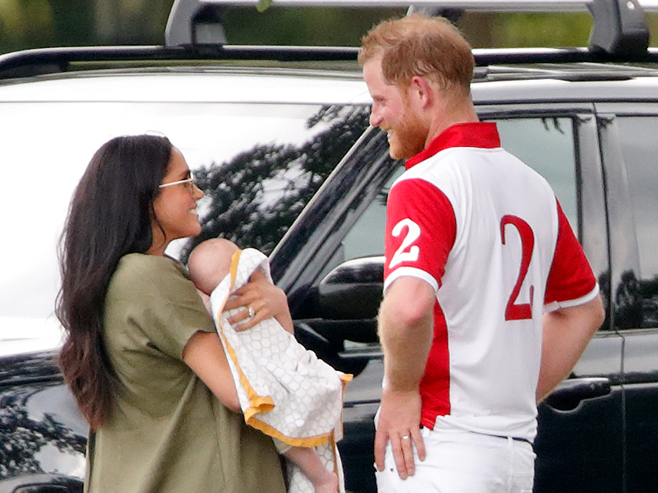 prince harry and meghan spilled details on their 11 hour flight with baby archie prince harry and meghan spilled details