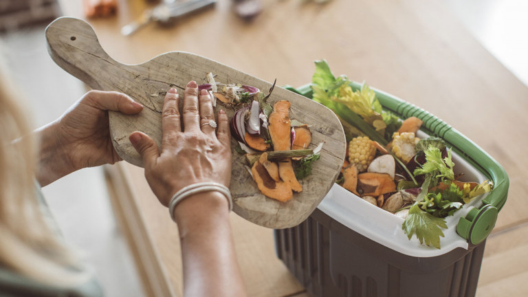 6 easy ways to reduce your family's food waste
