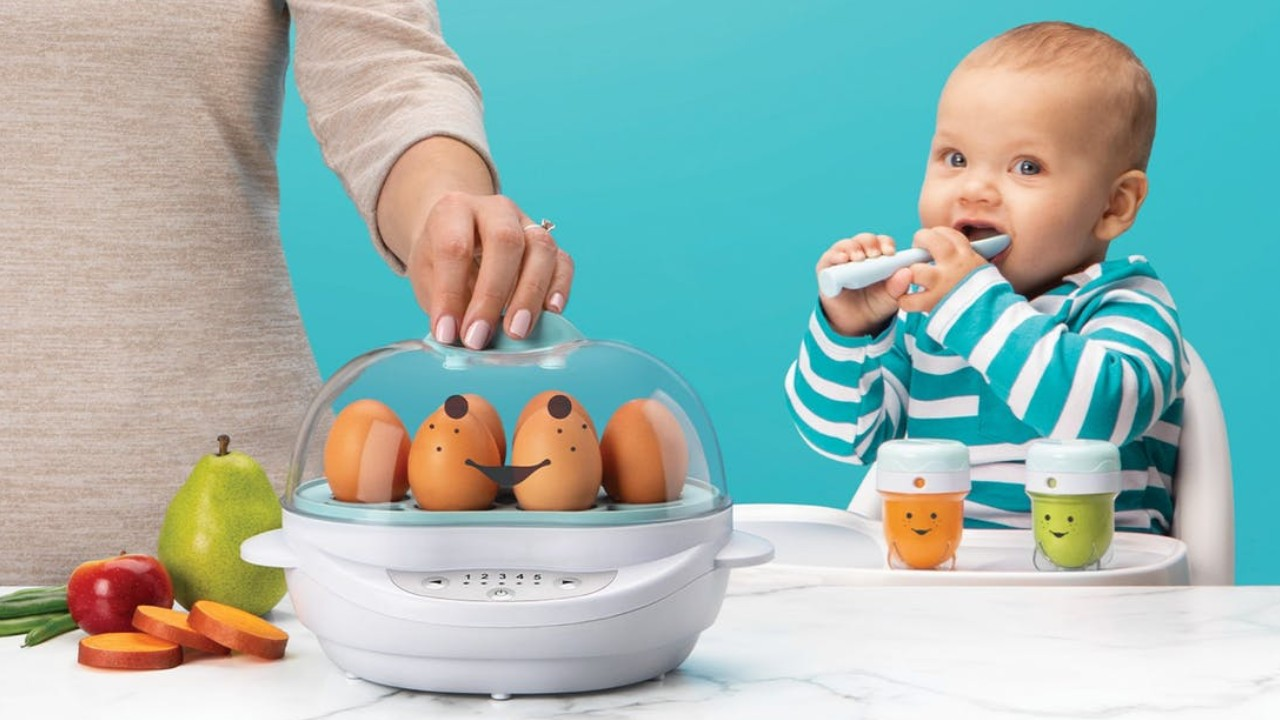 steamer and baby with baby food